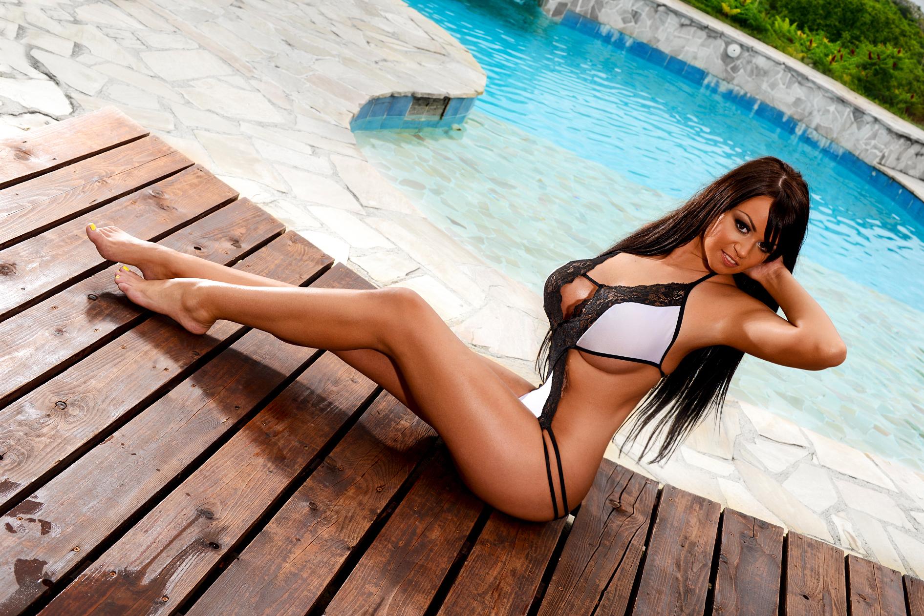 Evelin Exotic Topmodel